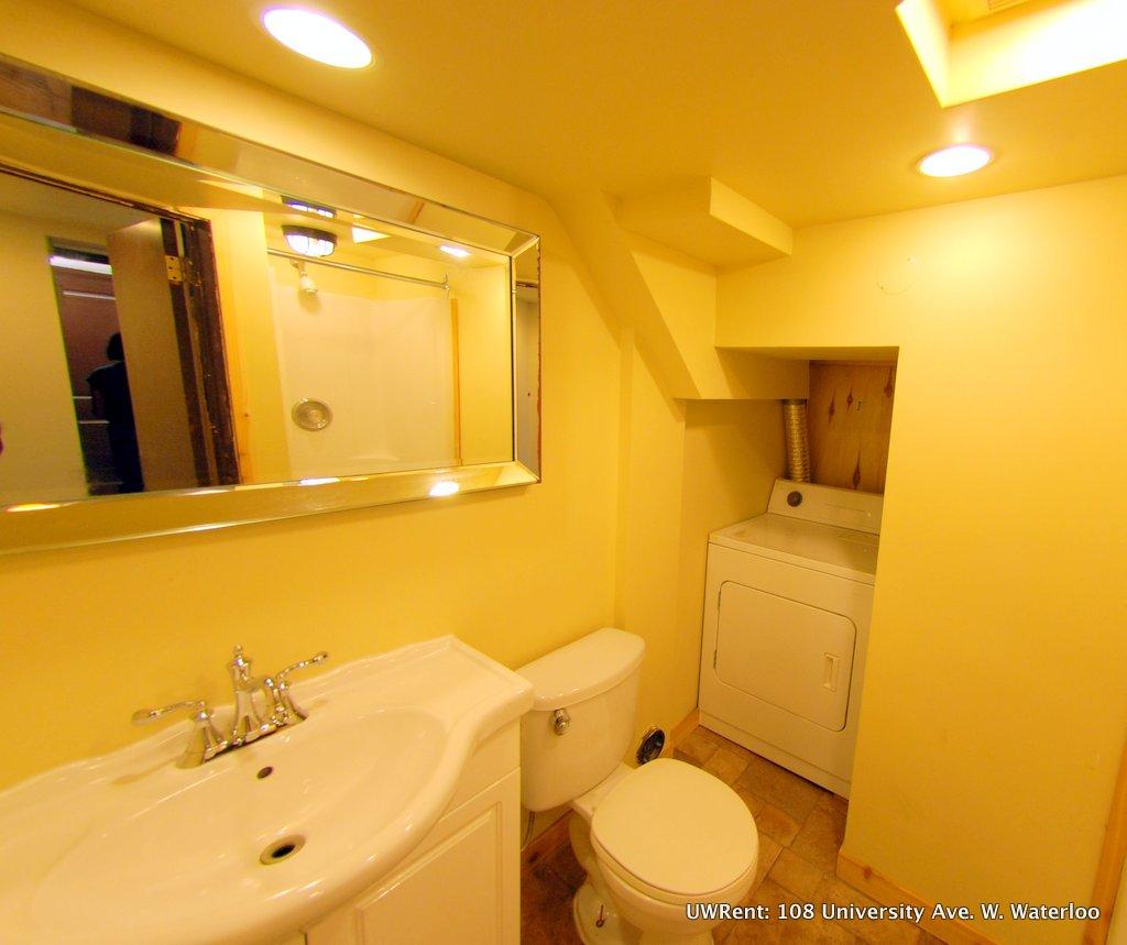 University Ave West Waterloo Bedroom Bathroom - Bathrooms waterloo
